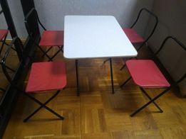 Стіл і 4 стілця для природи