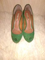 Изумрудные замшевые туфли Zara