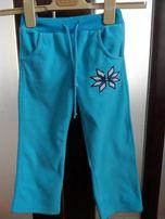Штаны флисовые Gloria Jeans на девочку с вышивкой. Размер 98.