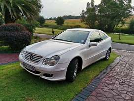 2006 C230 V6.. Great condition. PRICE NEG
