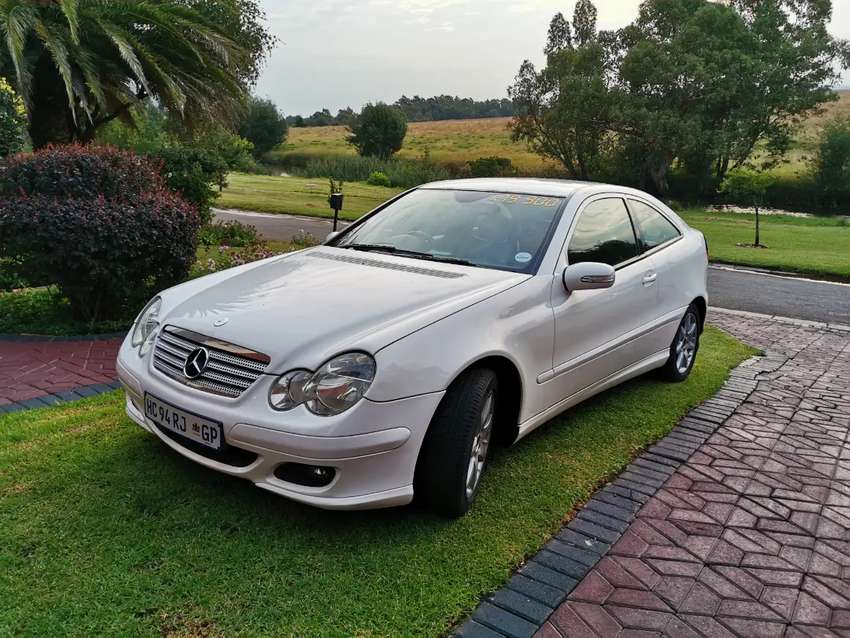 2006 C230 V6.. Great condition. PRICE NEG 0
