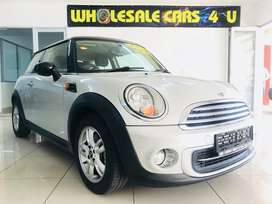 2012 mini cooper with full service history and spare keys!!!