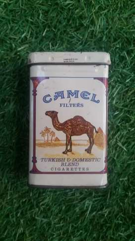 Old camel sigarets box450