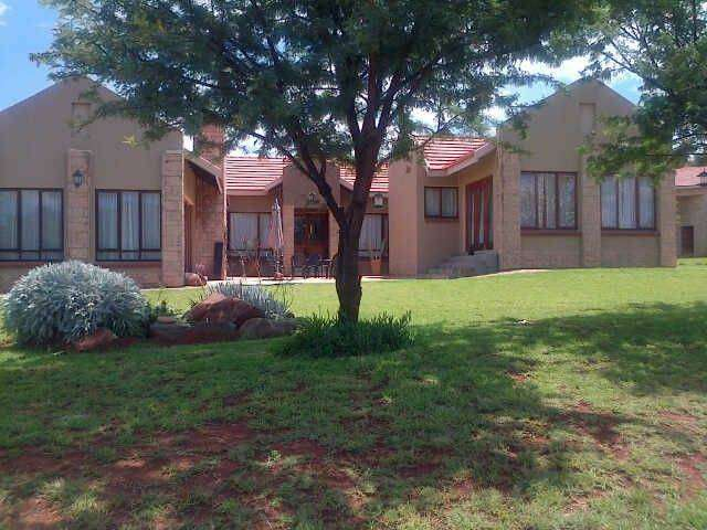 Home for larger family, Guesthouse potential 0