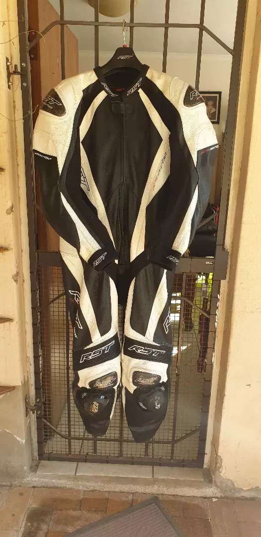 RST one piece racing leathers 0