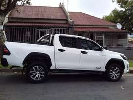 Toyota Hilux 2.8 GD6 double cab  automatic
