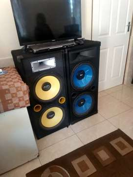 Home speakers and amp for sale