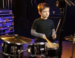 уроки игры на ударных инструментах,барабанах
