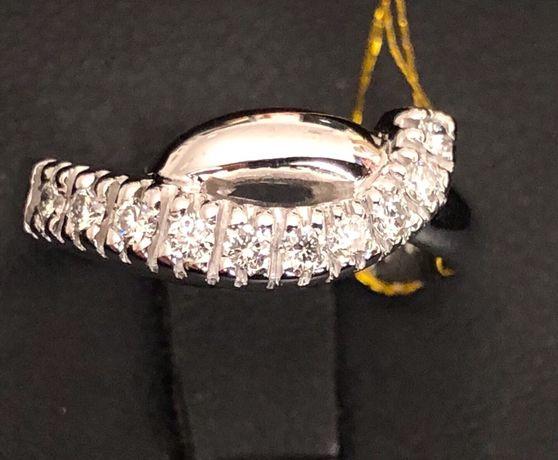 Золотое кольцо с Бриллиантами (0.4 карат)