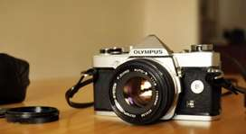 Looking for any vintage/old/film cameras.