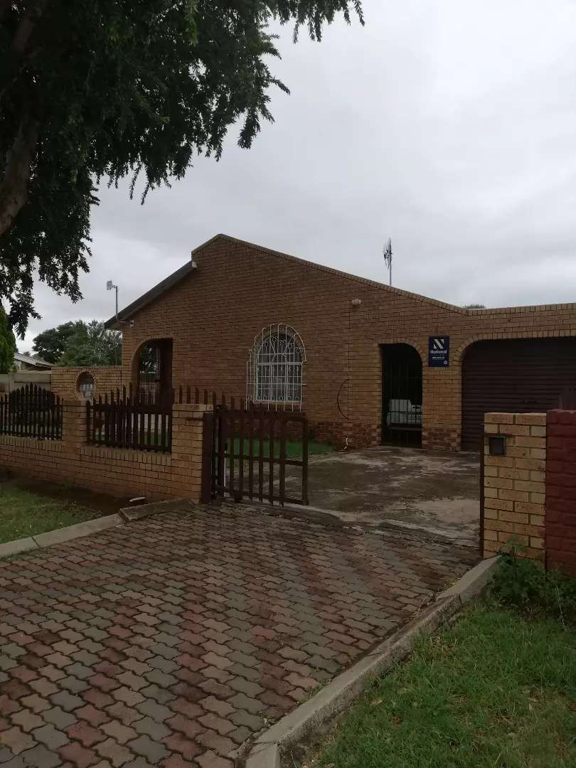 Neat 3 bedroom house for sale 0