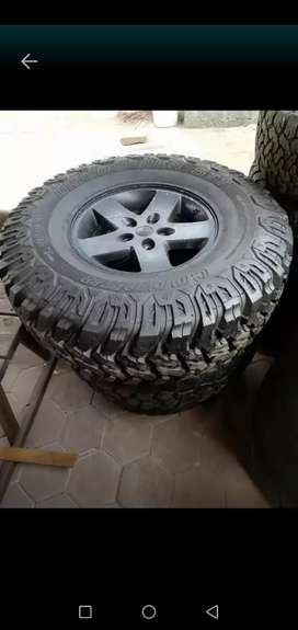 Wanted. 37/12.5 /17 tyre