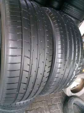 2×225/55/19 Toyo tyres for sale it's available now