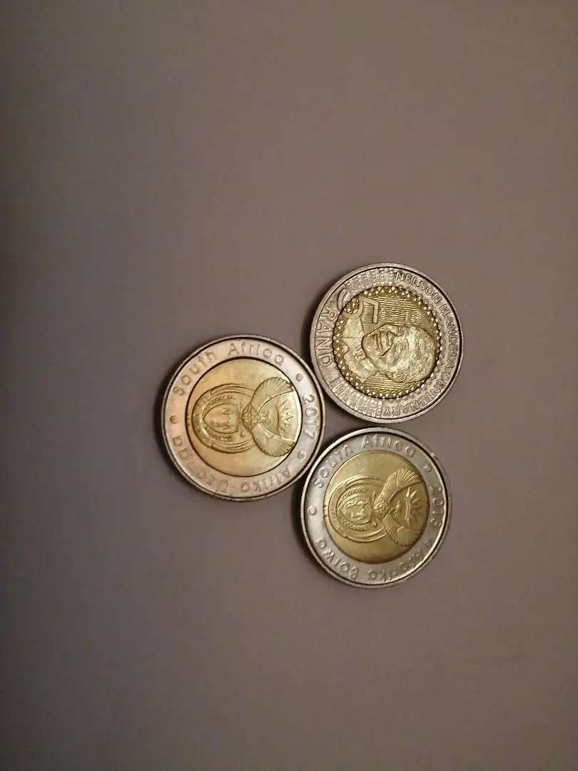 Mandela R5 coins dated between 2017 and 2018 0