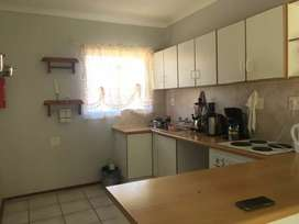Flat to rent and share