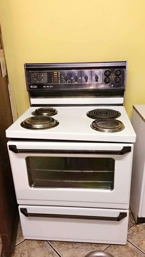 Defy Stove, Oven and Warmer 0