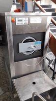 Продам профессиональную стиральную машинку