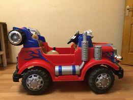 Продаю детский электромобиль