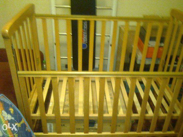 Продам деревянную детскую кроватку ТМ