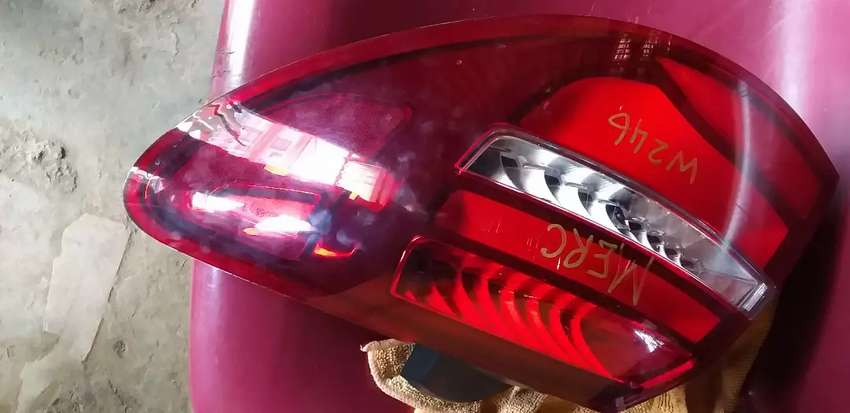 MERCEDES BENZ W245 DRIVER SIDE OUTER TAIL LIGHT AVAILABLE 0