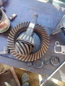 Toyota quantum. Crown and pinion