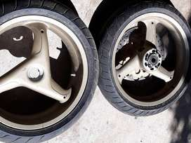 DUCATI RIMS WITH TIRES 95% LIFE R3500 SET.