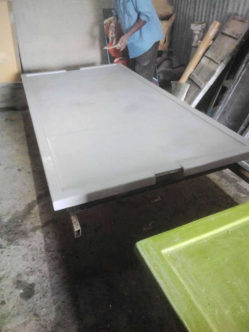 EPOXY RESIN FINISH ON WOODEN TABLE TOPS, KITCHEN COUNTERS, BANKS ETC 0