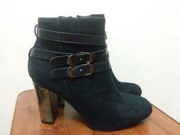 Черевички(чоботи..ботінки) жіночі