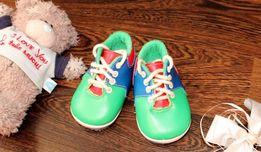 продам яркие кросовки на мальчика