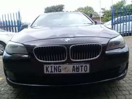 2013 BMW 5 SERIES WITH A ENGINE CAPACITY OF 528i AND 171000KM