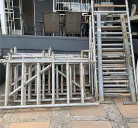 ZIFA Scaffolding (large with extentions and extras)