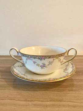 Elizabethan Hand Decorated Garland Rose Soup Bowl and Saucer