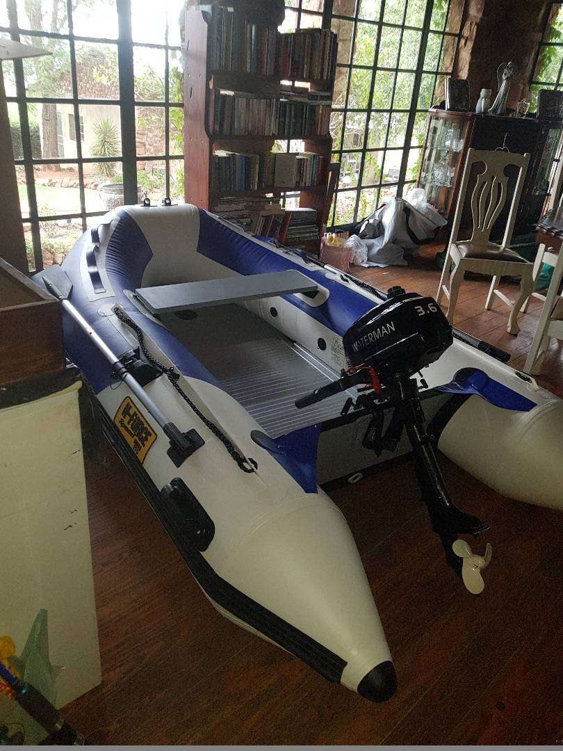 Jackal 2.7m boat with 3.6h motor and fush finder 0