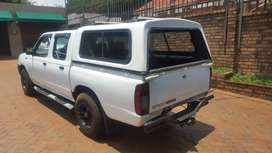 Nissan NP300 with an engine capacity of 2.5