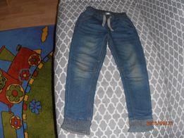 Spodnie chłopięce rozmiar 116 cm