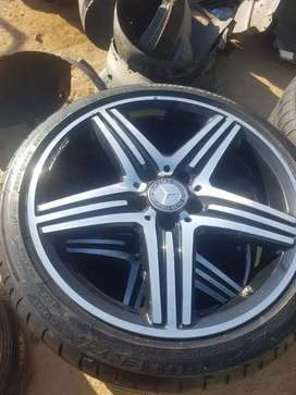 2020 Set of 4 run flat tyres and mag rims 18""