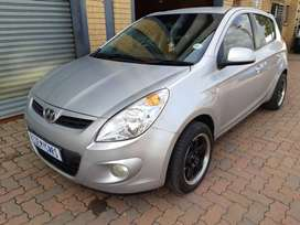 Hyundai i20  Year Model: 2011 Mileage:92000km Engine:1.6ltr