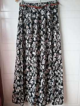 Floral maxi skirt size 32