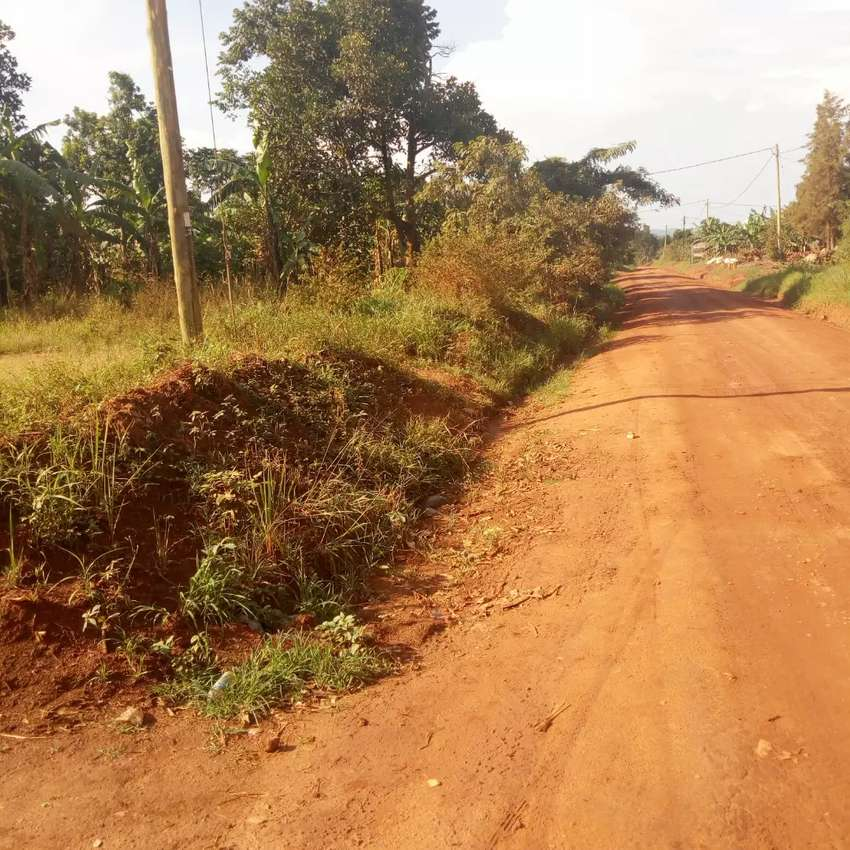 Land 1 Acre in Kitukutwe on Main road 0