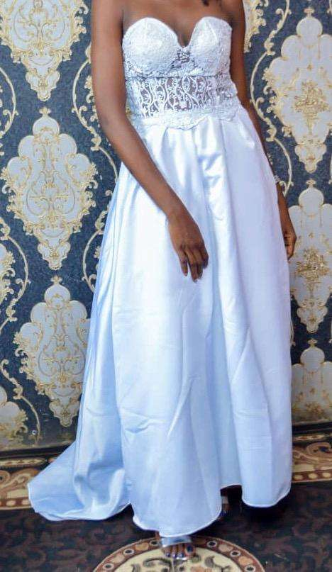 Wedding gown for sale 0