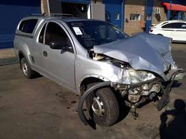 2010 Accident Damaged Code 2 Opel Corsa