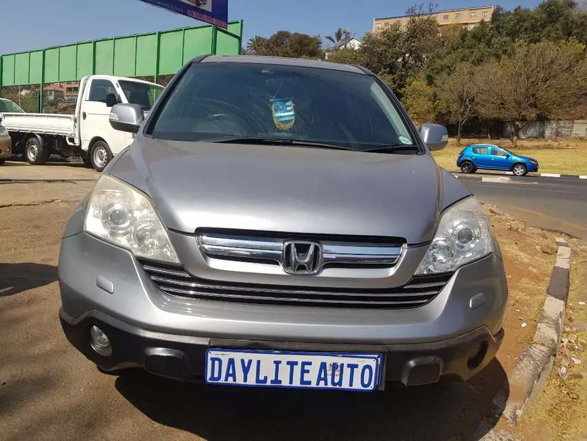 2009 Honda CRV 2.0 WITH SUNROOF AND LEATHER SEATS