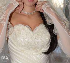 Красивое свадебное платье с заниженной талией