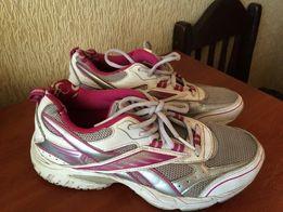 продам кросовки Reebok