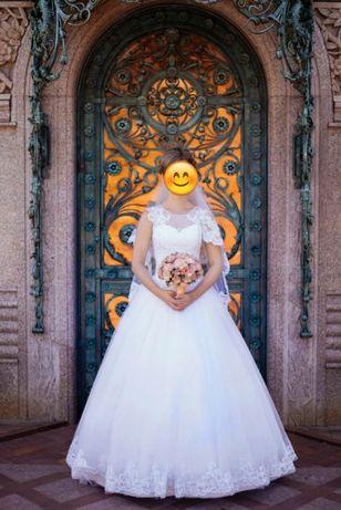 Продам красивое свадебное платье Запорожье - изображение 1