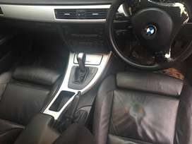 Im Selling E90 320D Sport  for R85000 Car is still in good Condition