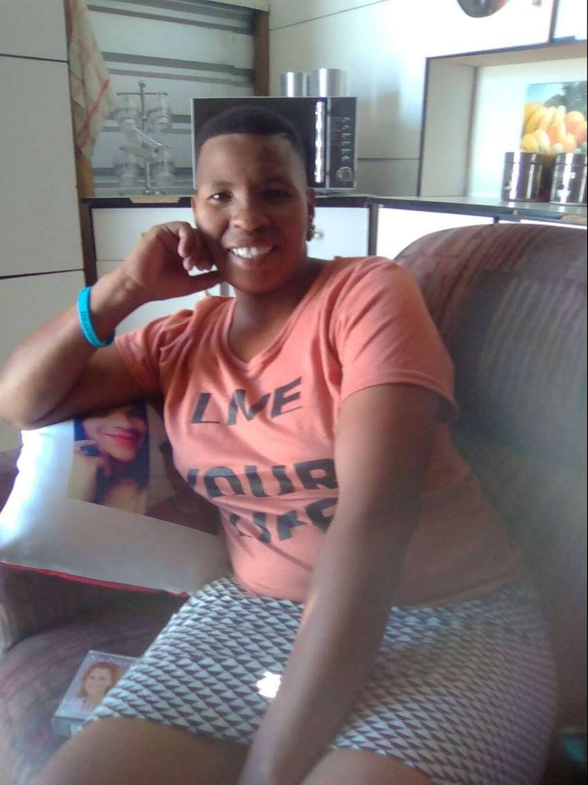 AFRIKAANS AND ENGLISH SPEAKING LADY SEEKS NANNY OR DOMESTIC JOB