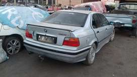 Bmw 318 is dolphin stripping for spares