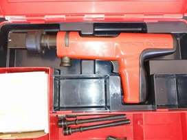 HILTI DX 200 nailgun
