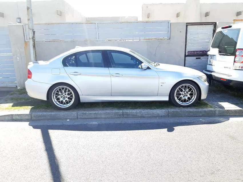 Bmw  325i e90 2006 model  for sale. 0